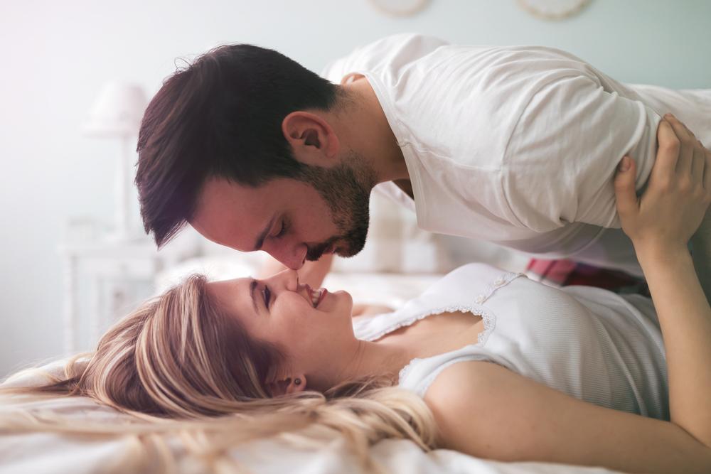 Картинки с парами в кровати